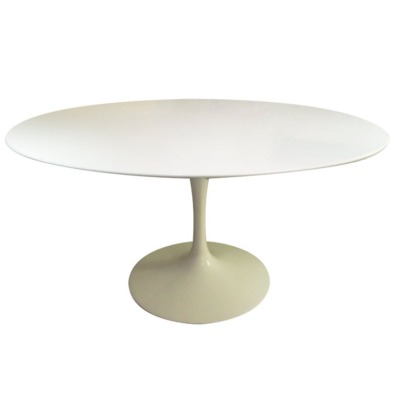 Eero saarinen for knoll 54 inch dining table at 1stdibs for Dining room tables 54 inches long