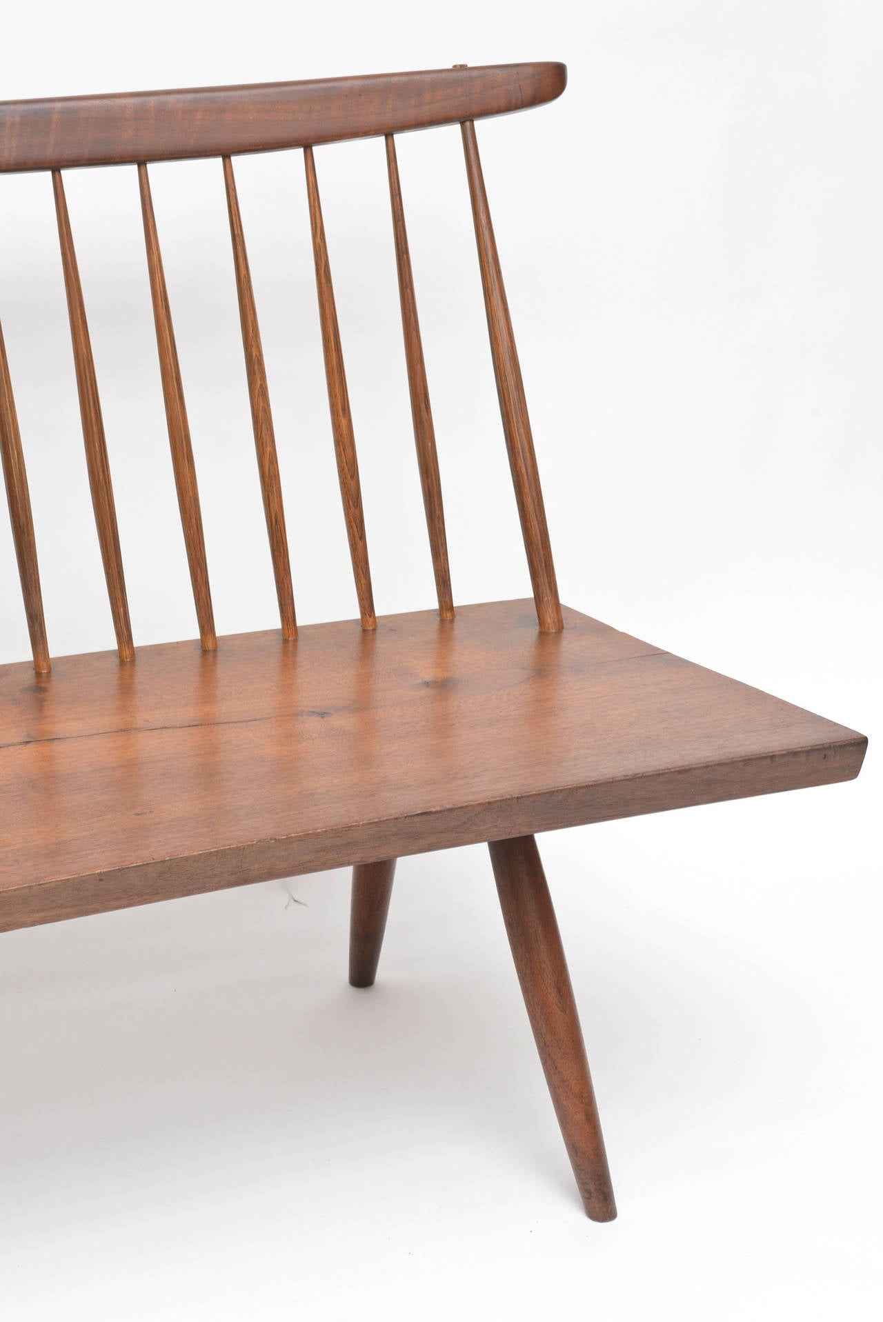 George Nakashima Walnut Bench In Good Condition For Sale In West Palm Beach, FL