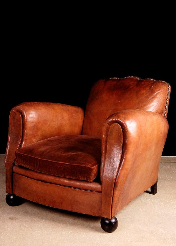 Vintage Scalloped Back Wingback Chair - AptDeco