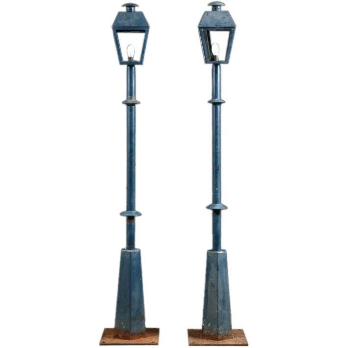group of four vintage french park street lamps at 1stdibs. Black Bedroom Furniture Sets. Home Design Ideas