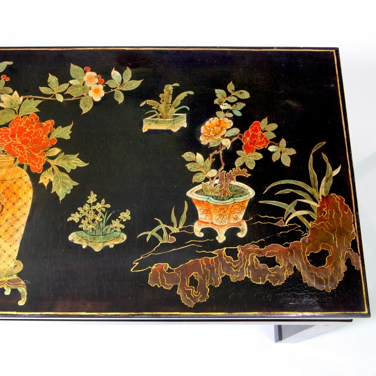 Chinese Lacquered Coffee Table In Good Condition For Sale In New York, NY