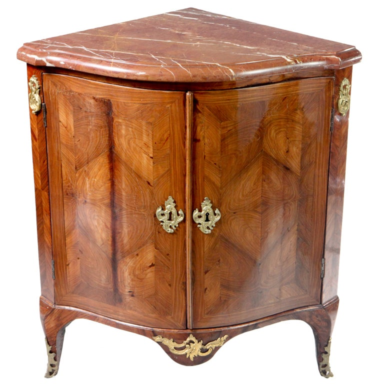 louis xv encoignure for sale at 1stdibs. Black Bedroom Furniture Sets. Home Design Ideas