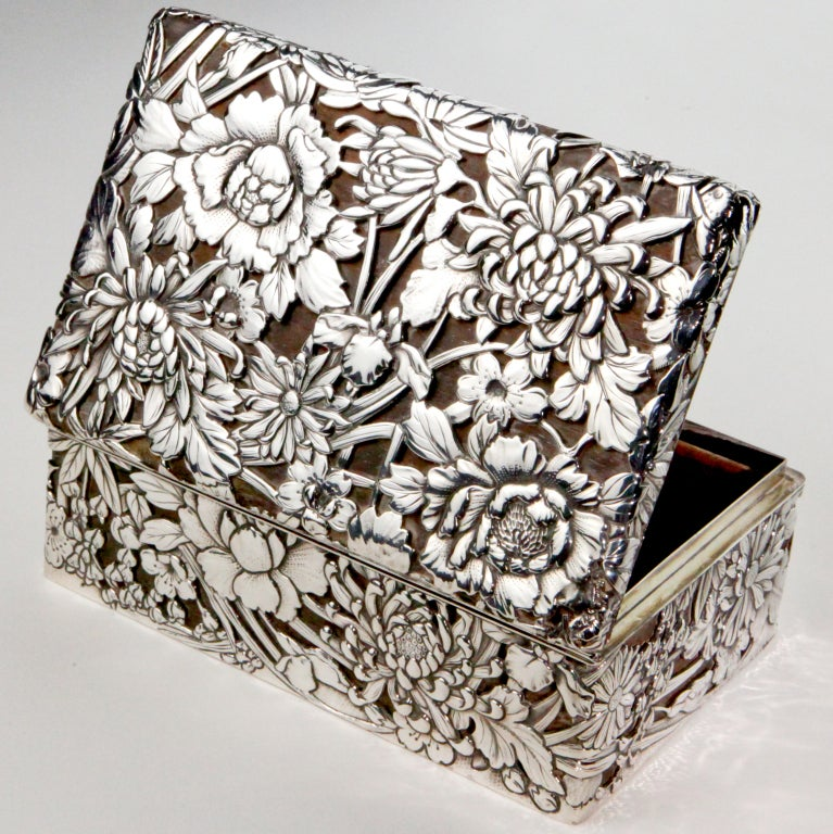 Silver Chrysanthemum Box image 2