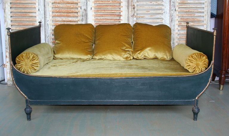 great french sleigh bed for sale at 1stdibs. Black Bedroom Furniture Sets. Home Design Ideas