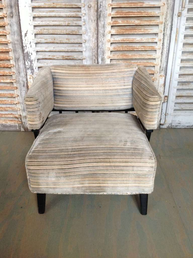 Pair of Mid-Century Modern Chairs For Sale 4