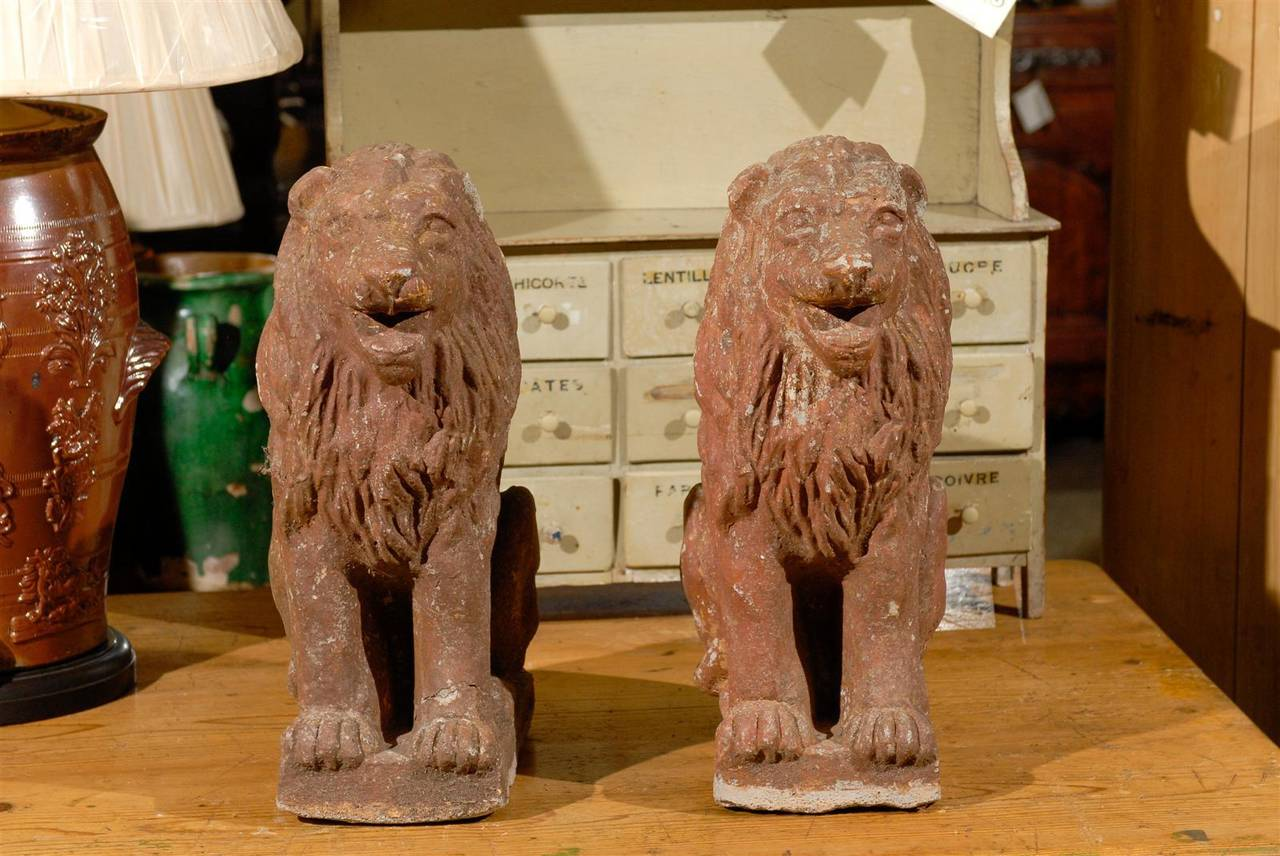 Pair of Early 20th Century Old Stone Lions from France, Circa 1910 For Sale 1