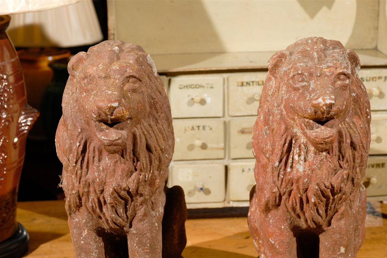 Pair of Early 20th Century Old Stone Lions from France, Circa 1910 For Sale 3