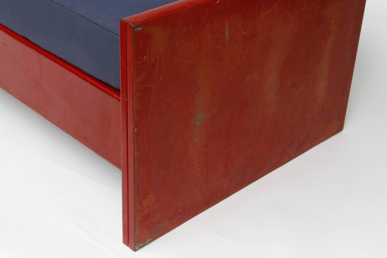 Jean Prouvé Red Daybed, circa 1935 In Good Condition For Sale In New York, NY