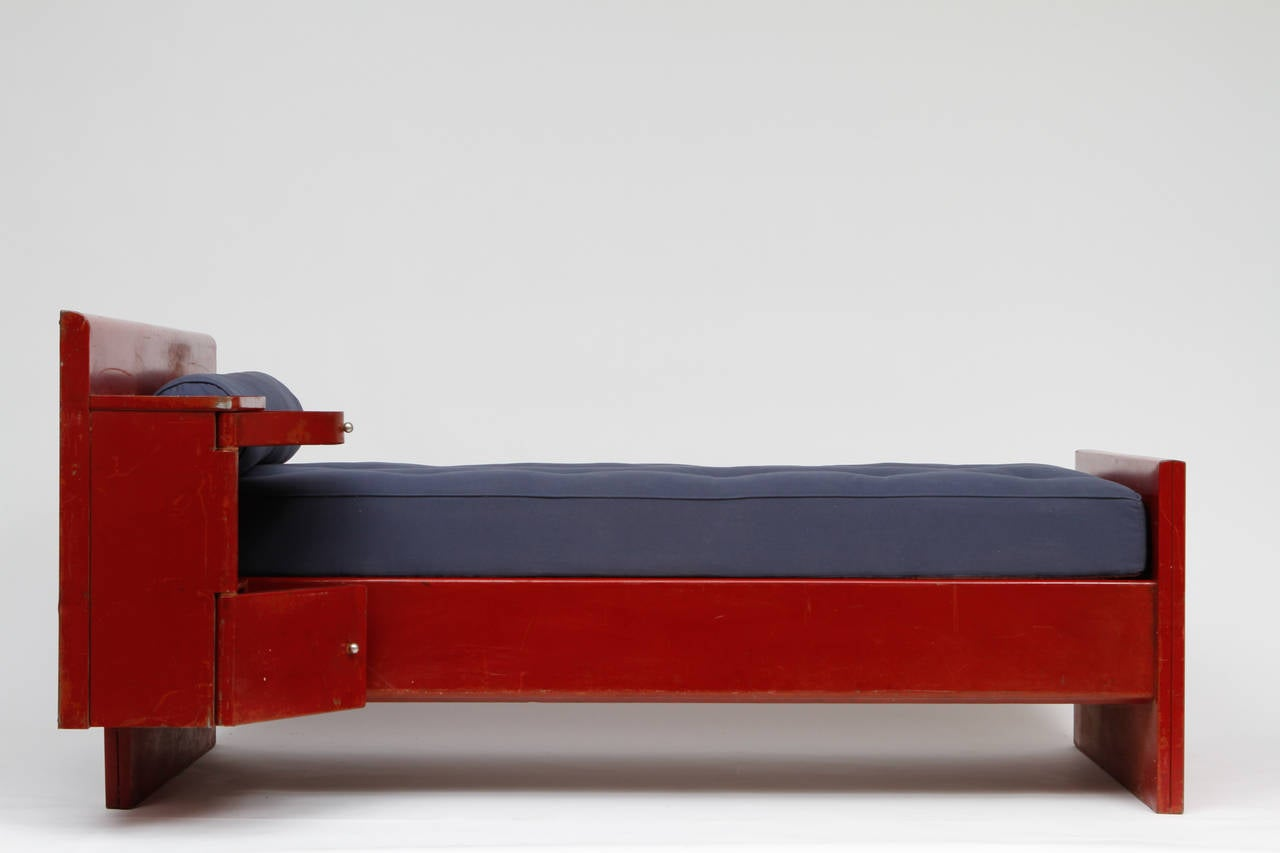 Mid-20th Century Jean Prouvé Red Daybed, circa 1935 For Sale