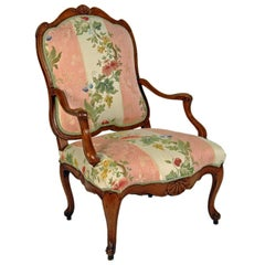 French Late Régence, Early Louis XV Beech Fauteuil à La reine, c1720