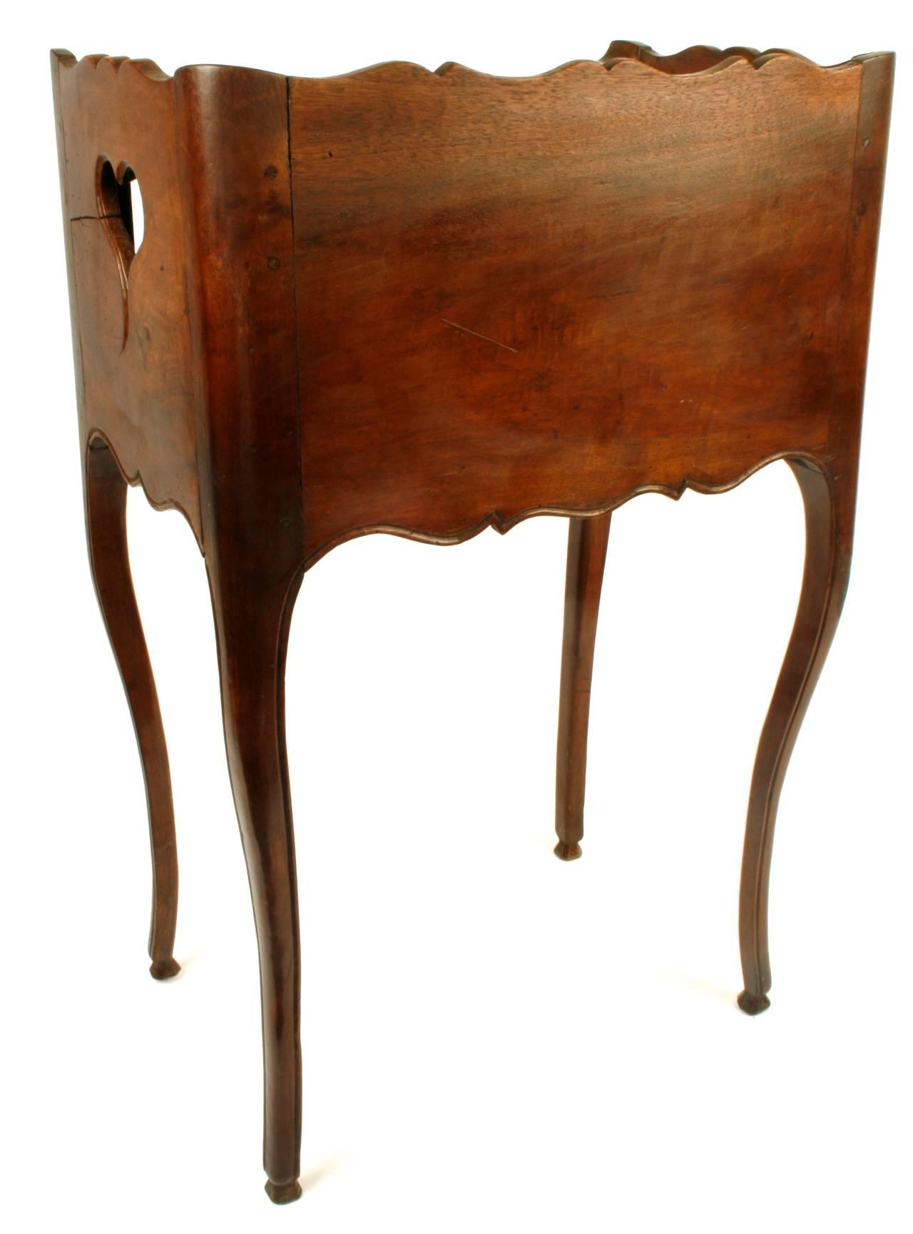 louis xv walnut table de nuit circa 1790 at 1stdibs. Black Bedroom Furniture Sets. Home Design Ideas