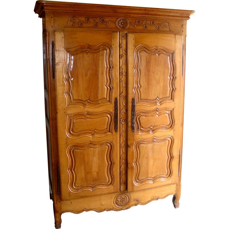 louis xv armoire late 18th century for sale at 1stdibs. Black Bedroom Furniture Sets. Home Design Ideas