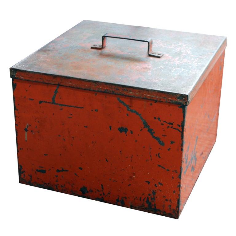 Vintage metal storage box For Sale  sc 1 st  1stDibs & Vintage metal storage box at 1stdibs