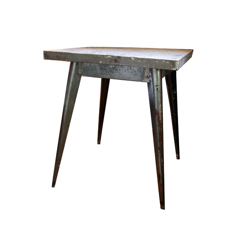 Vintage french tolix table at 1stdibs for Table exterieur tolix