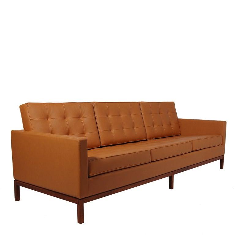 Florence Knoll Sofa 2