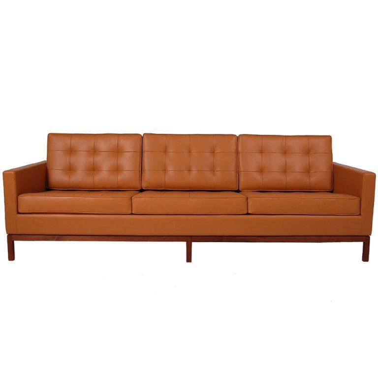 Florence Knoll Sofa 1