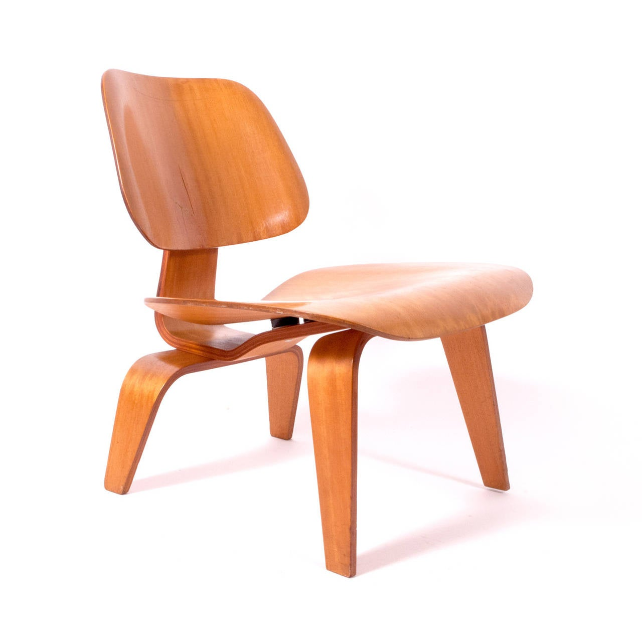 Pre production lcw charles and ray eames chair 1945 at for Charles eames lounge chair preisvergleich