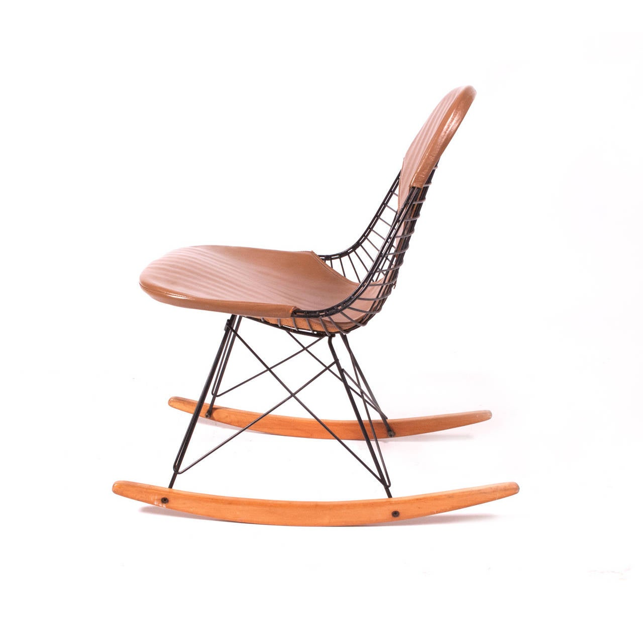 rkr charles eames rocker chair original at 1stdibs. Black Bedroom Furniture Sets. Home Design Ideas