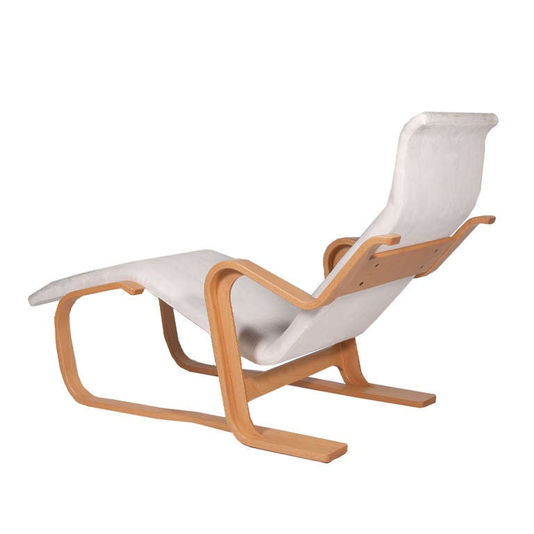 Reclining chaise by marcel breuer at 1stdibs for Breuer chaise longue