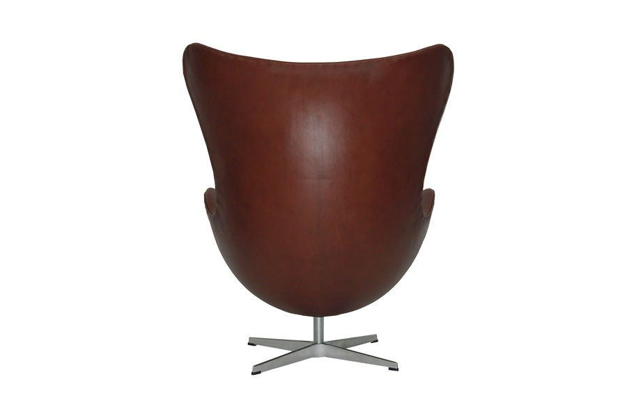 Mid-20th Century Egg Chair by Arne Jacobsen