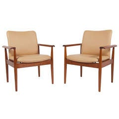 Pair of Diplomat Chairs by Finn Juhl