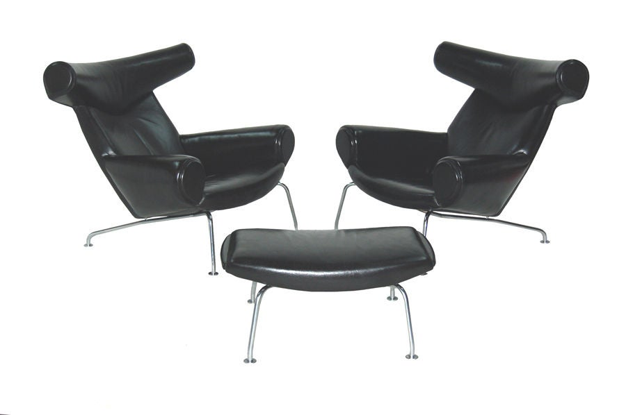 pair of ox chairs and ottoman by hans wegner at 1stdibs. Black Bedroom Furniture Sets. Home Design Ideas