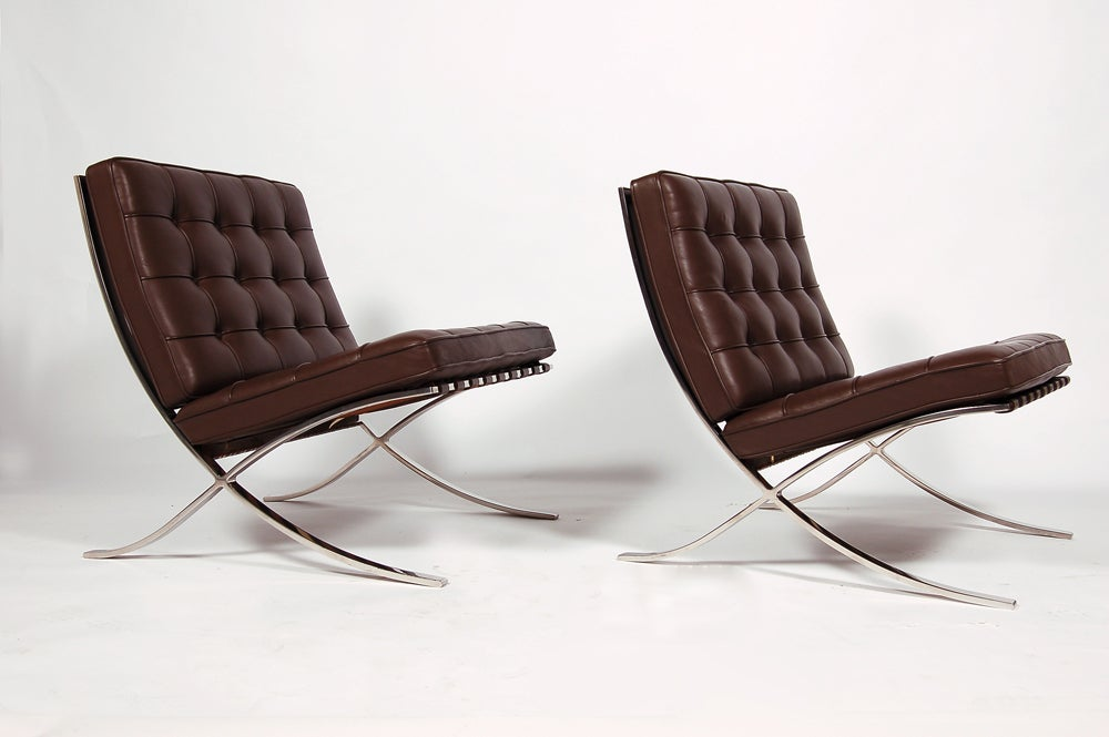 pair of knoll barcelona chairs at 1stdibs. Black Bedroom Furniture Sets. Home Design Ideas