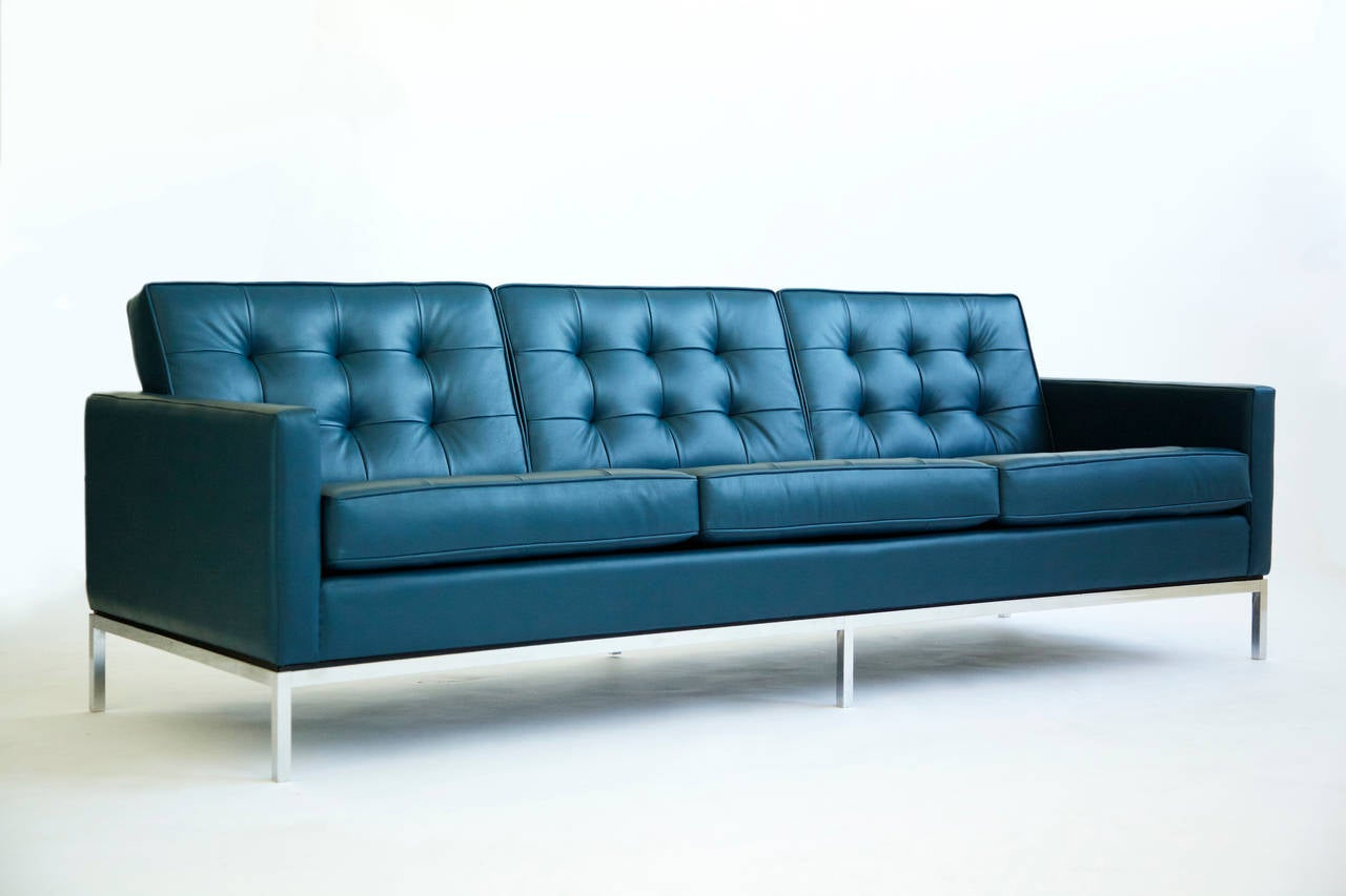 florence knoll tuxedo sofa image 2. Black Bedroom Furniture Sets. Home Design Ideas