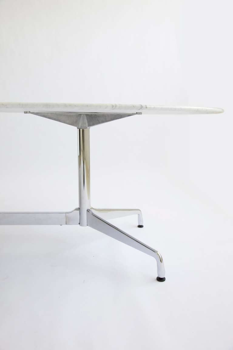 Charles eames dining table or desk at 1stdibs for Table charles eames