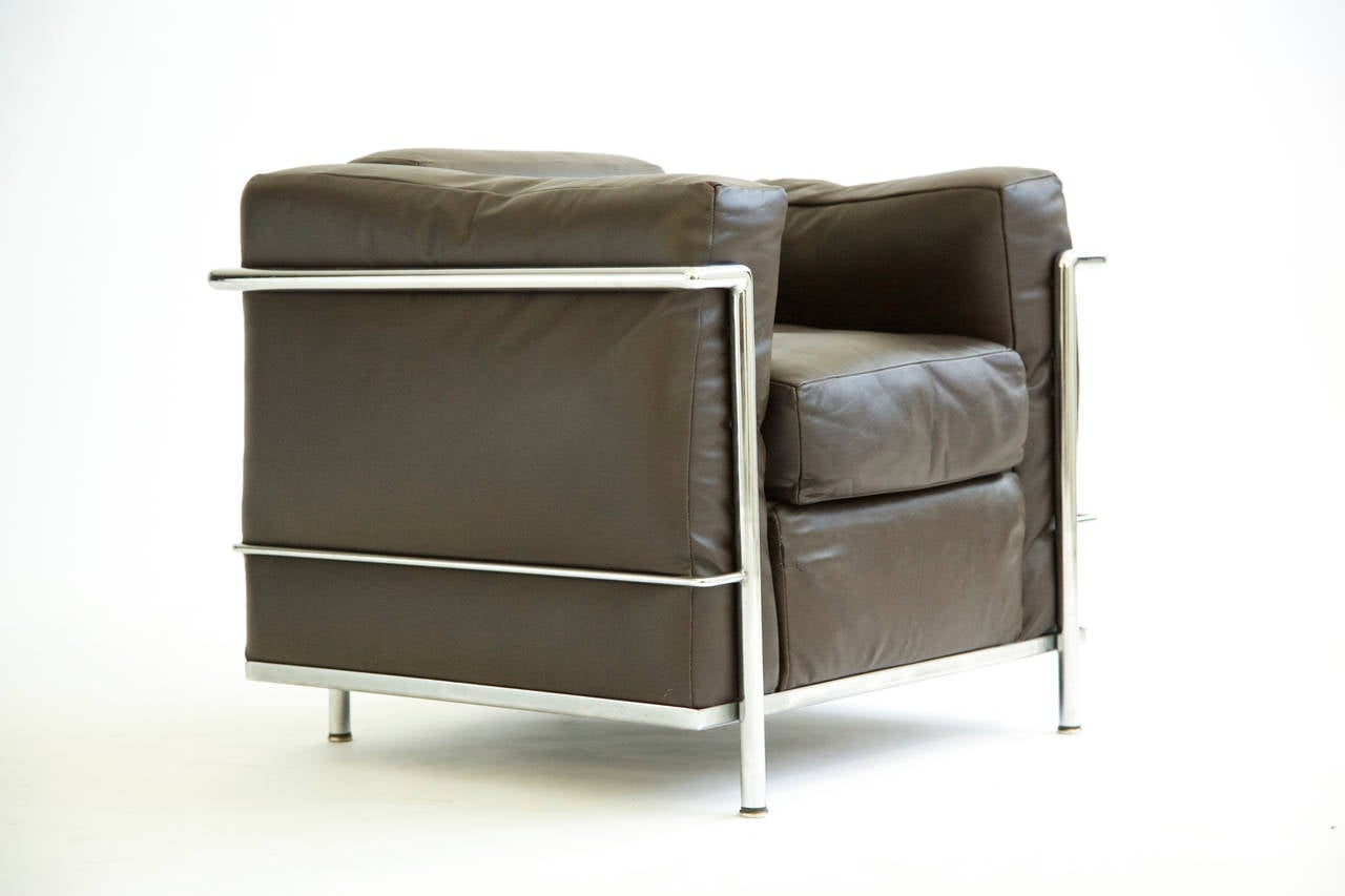 Pair Of Le Corbusier Lounge Chairs LC2 2