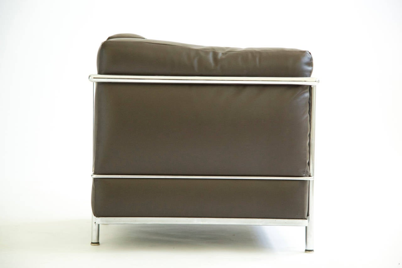 Le corbusier lounge chair - Pair Of Le Corbusier Lounge Chairs Lc2 3