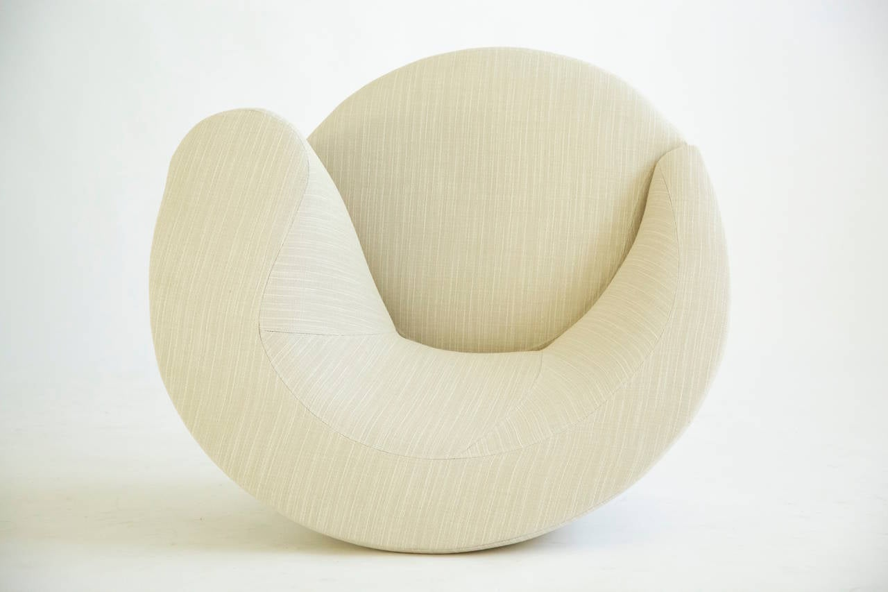 Vladimir Kagan Swivel Lounge Chairs 7