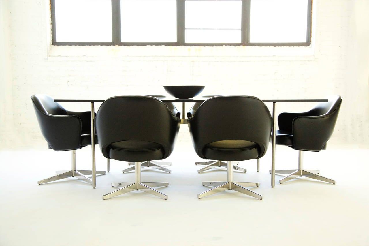 Set Of Eight Eero Saarinen Dining Chairs At 1stdibs
