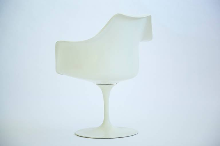 Late 20th Century Set of Four Eero Saarinen Tulip Chairs For Sale