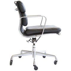 Charles Eames Aluminum Group Chair