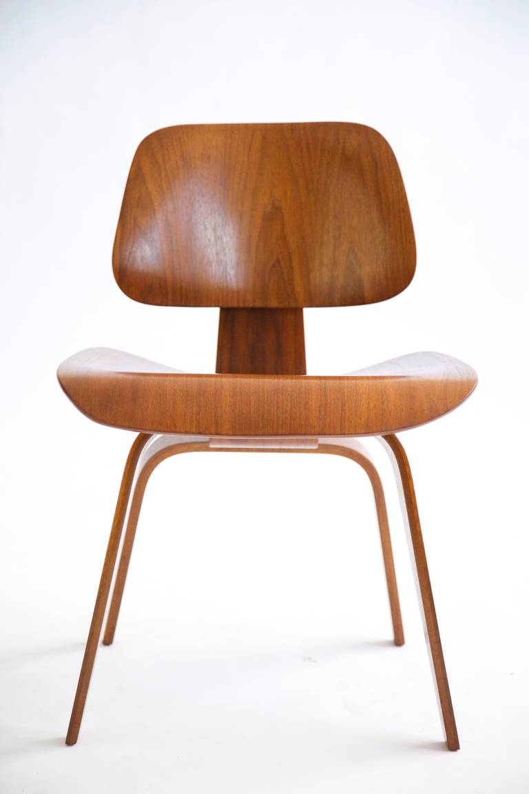 Set Of Four Charles Eames Wooden Dining Chair At 1stdibs