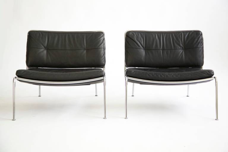 Pair Of Piero Lissoni Frog Lounge Chairs At 1stdibs