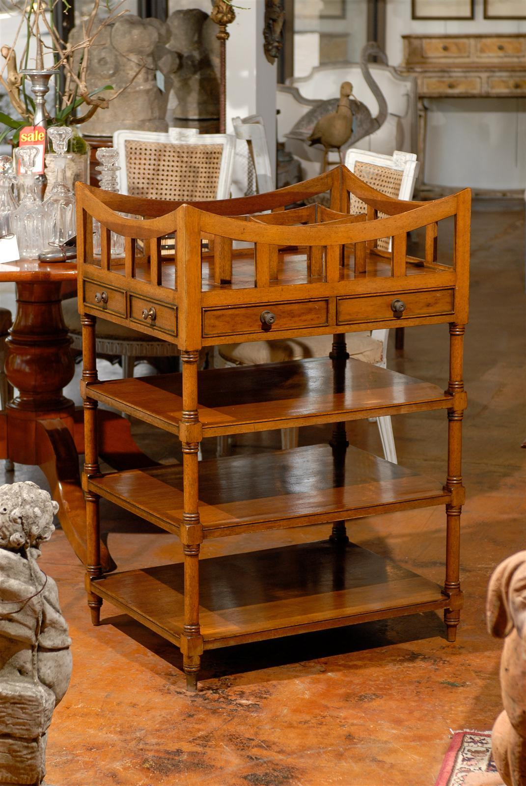 Italian 19th Century Walnut Tiered Étagère with Pierced Gallery and Shelves For Sale 6