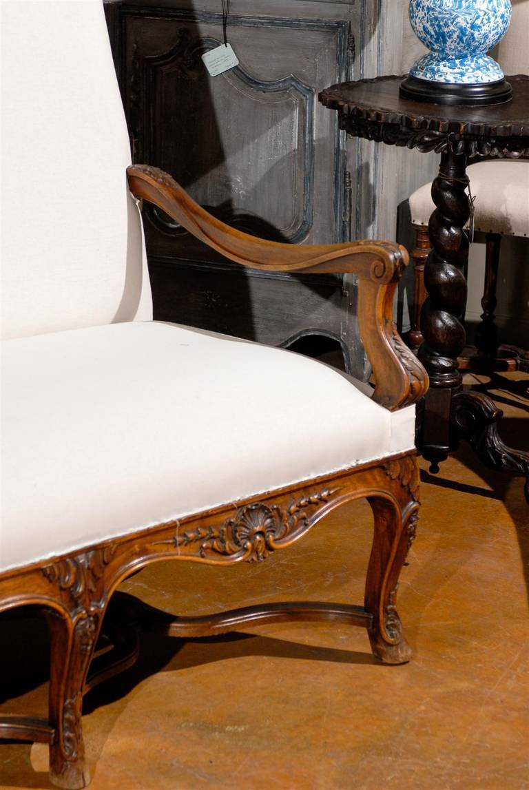 19th Century Louis XV Style French Carved Walnut Canape For Sale 1