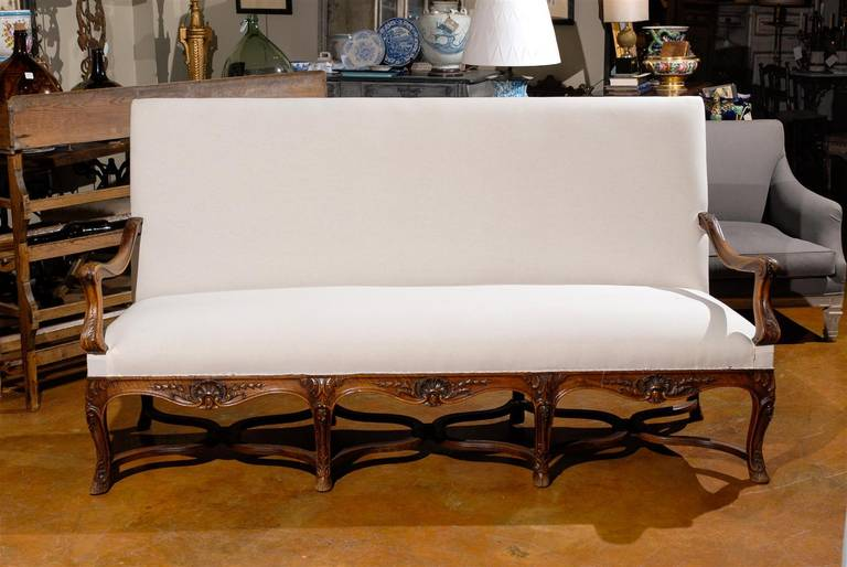 19th Century Louis XV Style French Carved Walnut Canape For Sale 5