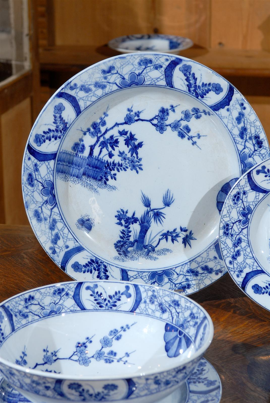 85-Piece Blue and White Japonisme Porcelain Dinnerware Designed by Claude Monet In Excellent Condition & 85-Piece Blue and White Japonisme Porcelain Dinnerware Designed by ...