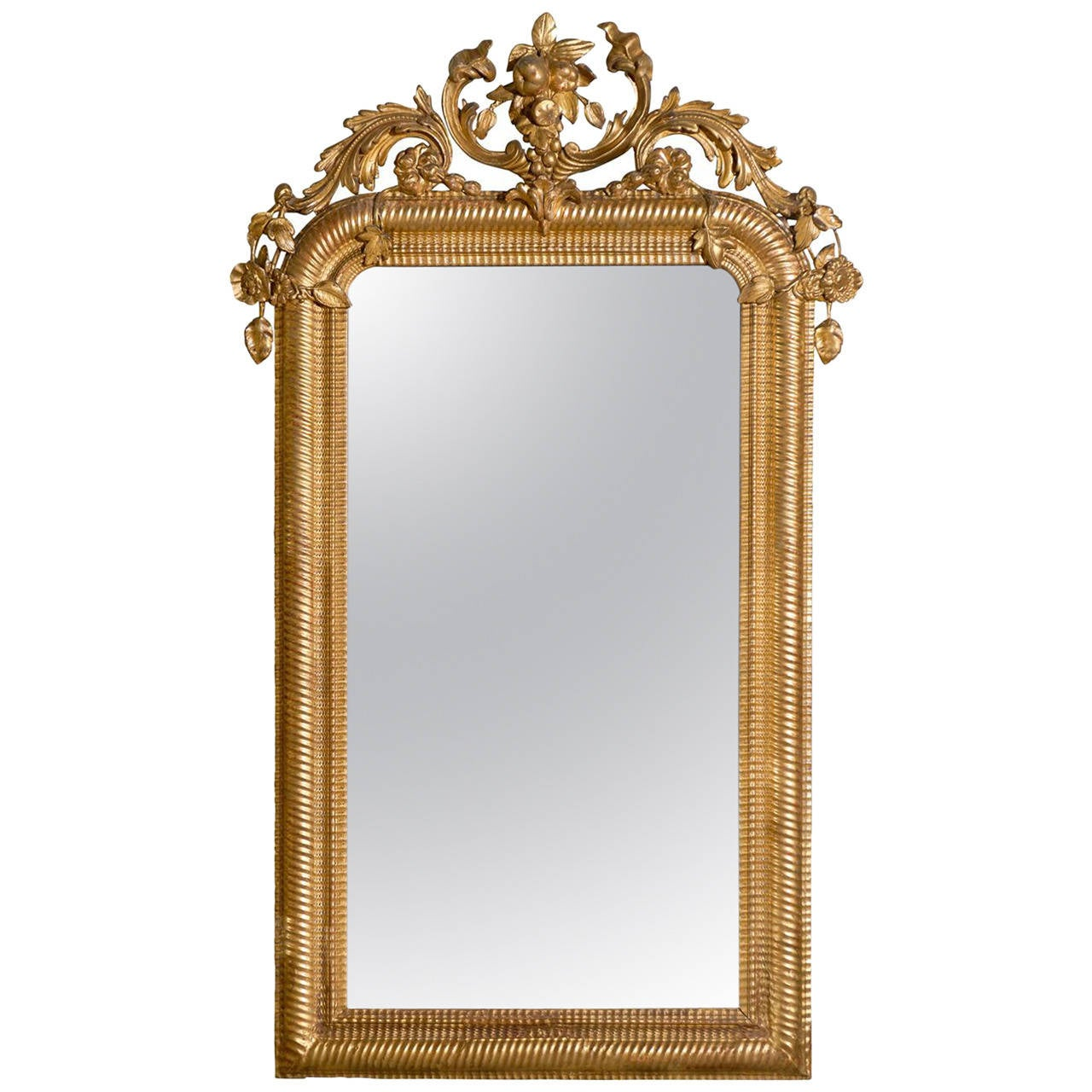 French carved gilt mirror at 1stdibs for What is a gilt mirror