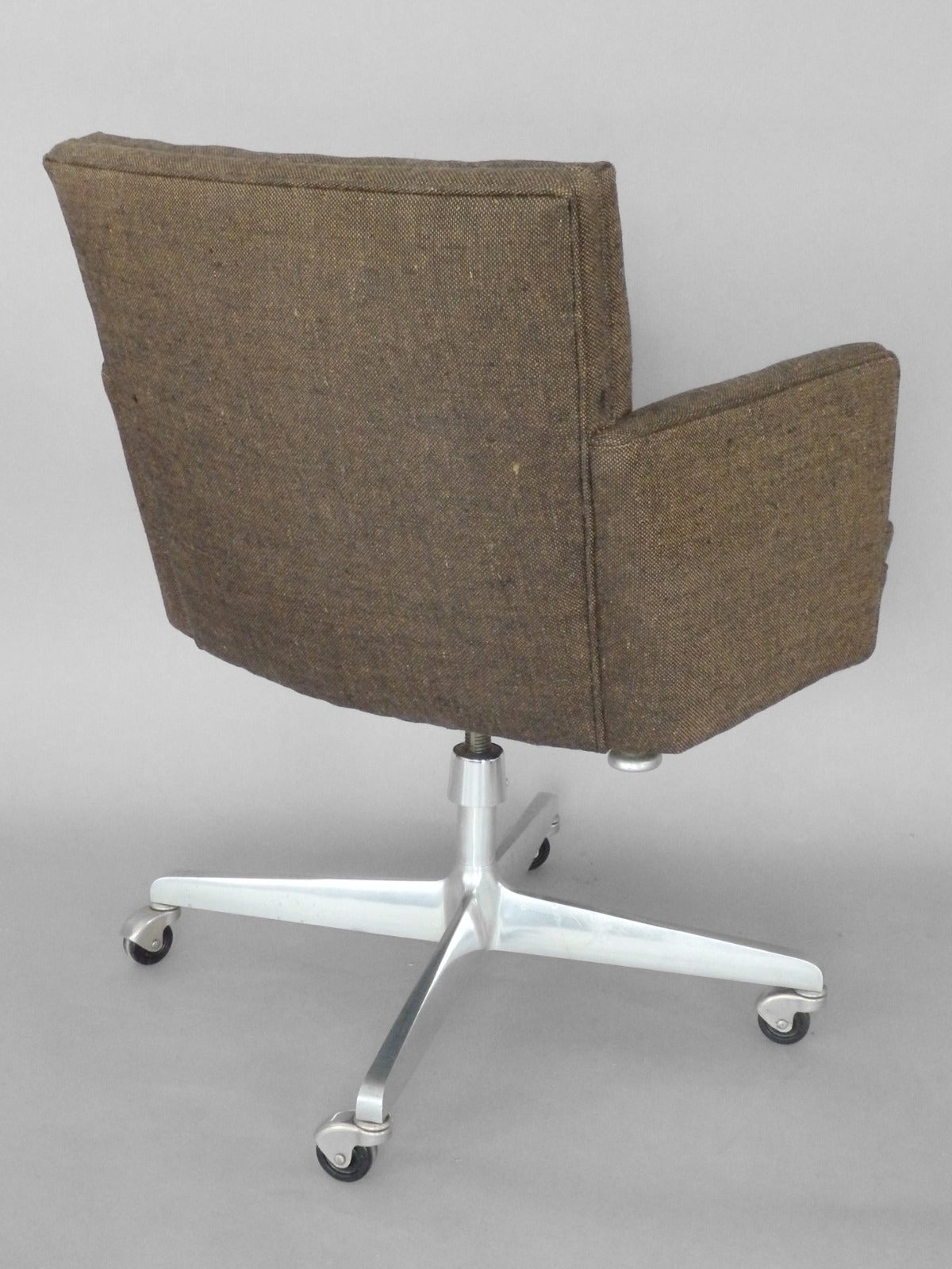 early and rare florence knoll swivel office chair for sale