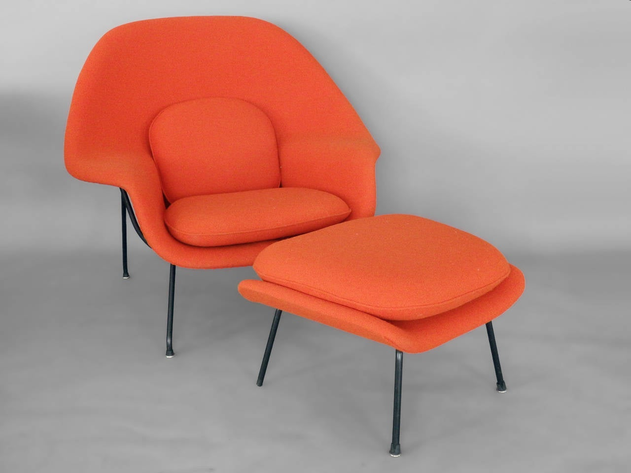 saarinen for knoll womb chair with ottoman for sale at 1stdibs