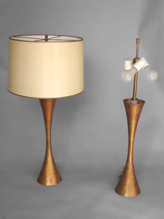 Mid-Century Modern Pair of Hourglass Form Brass Table Lamps by Stewart Ross James For Sale
