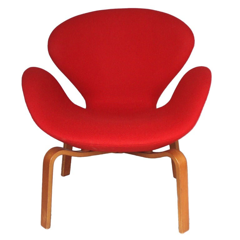 Rare wood leg swan chair by arne jacobsen at 1stdibs for Swan chairs for sale