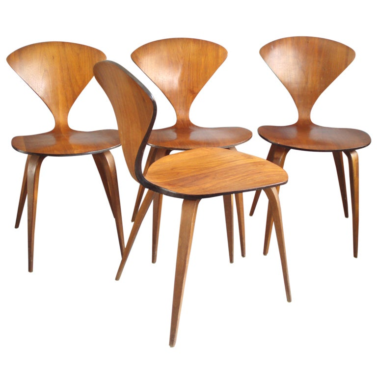 set of four molded plywood chairs by norman cherner for plycraft at 1stdibs cherner furniture