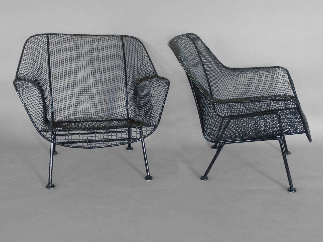 Pair of Woodard Wrought Iron with Mesh Lounge Chairs For Sale at 1stdibs