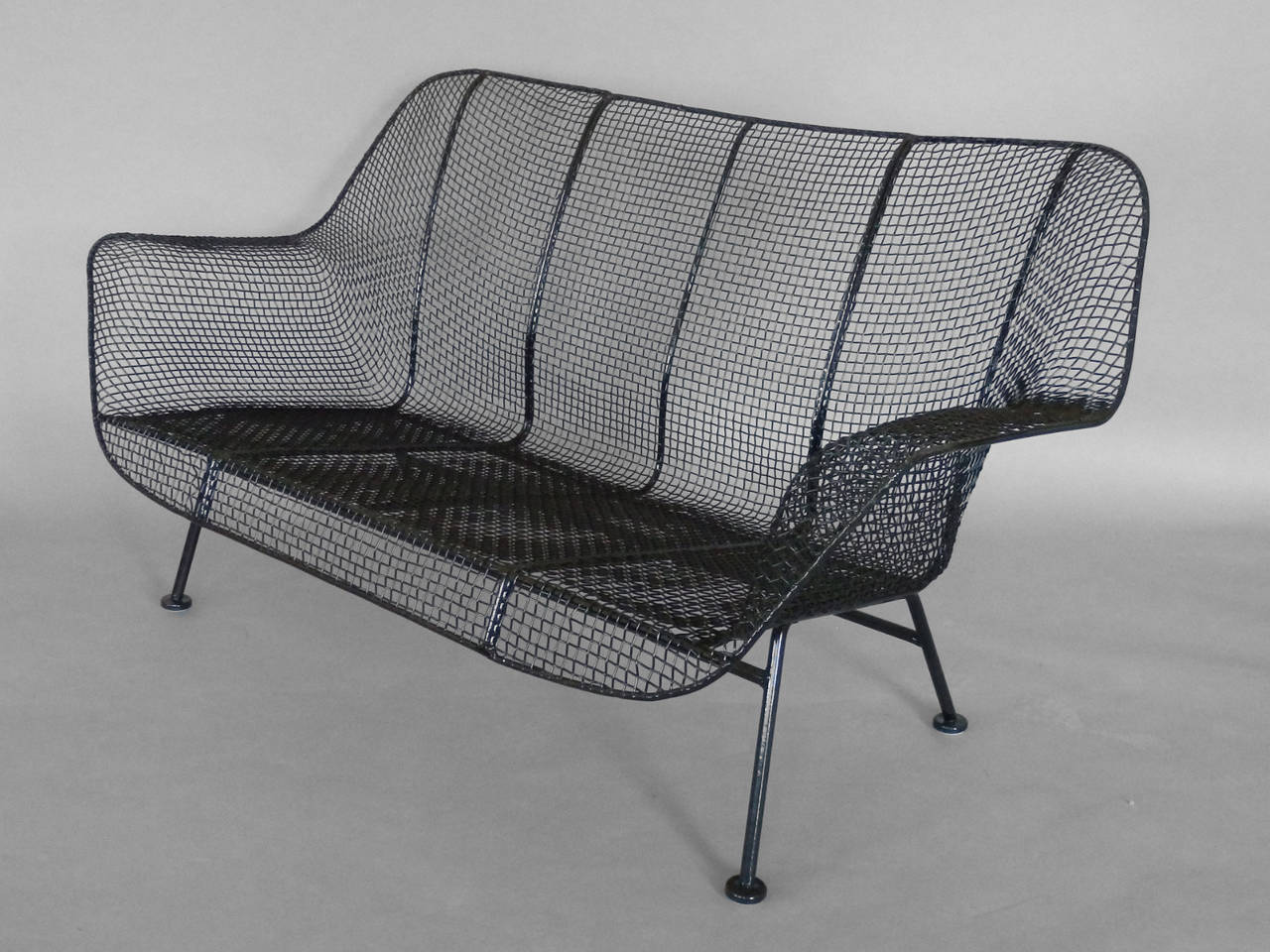 Mid-Century Modern Woodard Wrought Iron with Mesh Settee For Sale