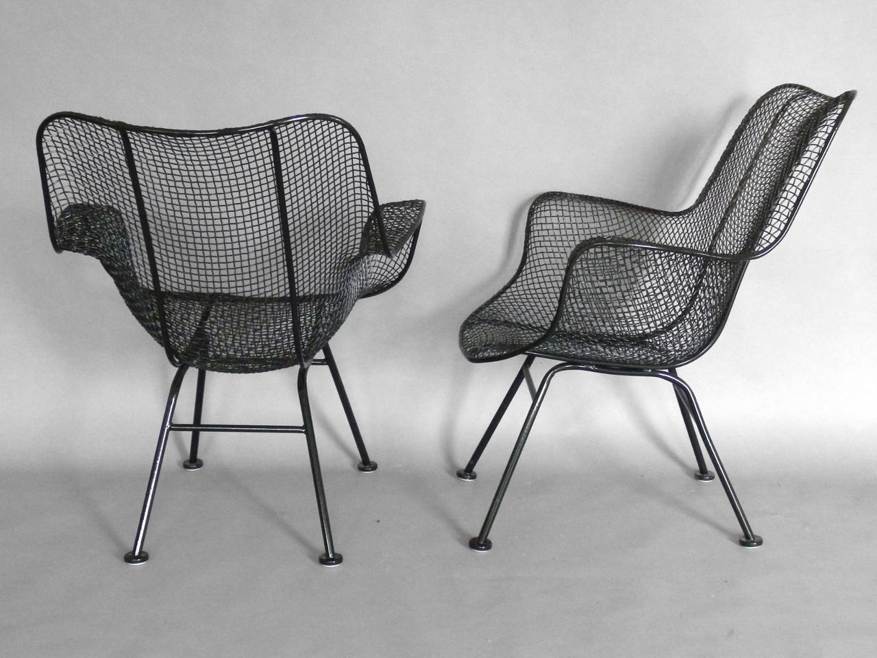 Pair Of Woodard High Back Lounge Chairs At 1stdibs